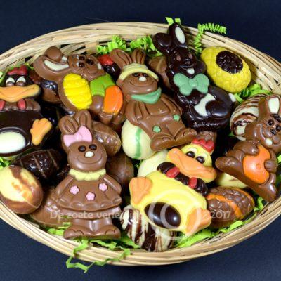 paas chocolade & paaseitjes in mandje