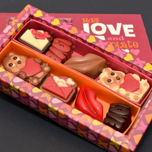 Valentijn bonbons in vensterdoosje