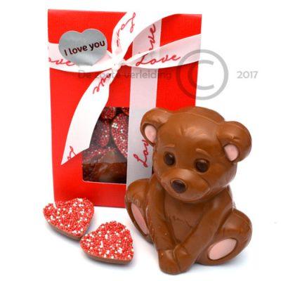Chocolade valentijn hartjes met beertje